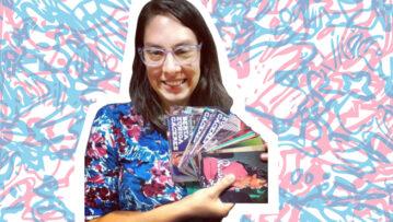 Mariana Fossatti holding VisibleWikiWomen postcards
